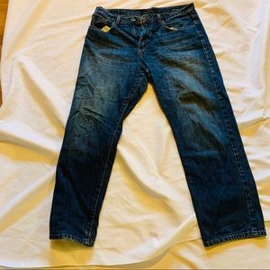 Calvin Klein used jeans size 34 relaxed fit.